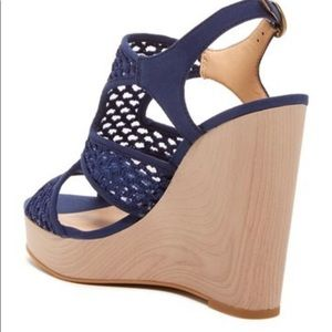 Lucky Wedge Remy Sandle